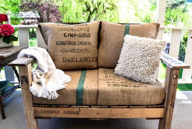 Делаем диван из поддона
