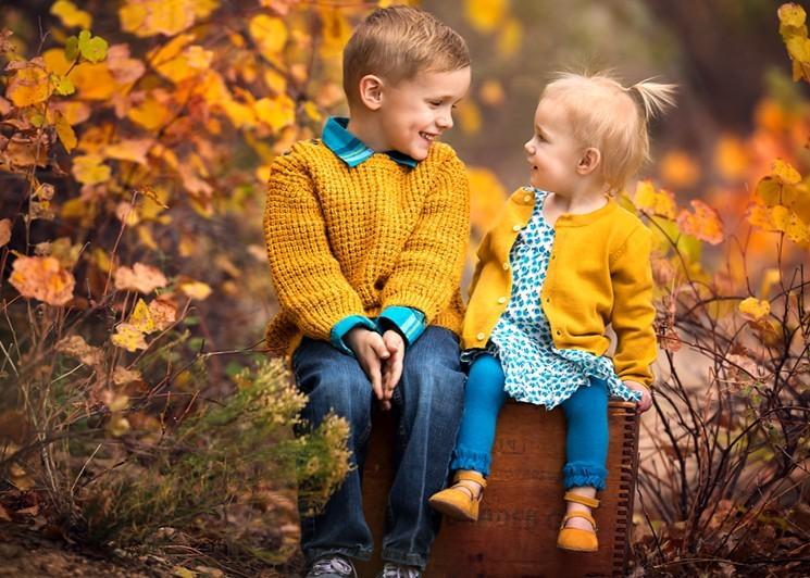 Фотосессия на природе осенью - идеи для детских фотографий
