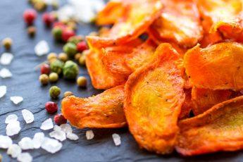 Как готовить морковные чипсы в духовке