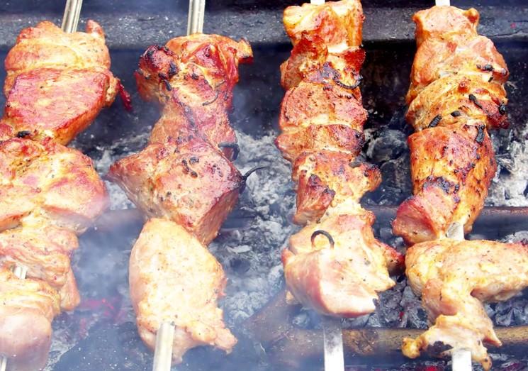 Как правильно готовить шашлык из свинины