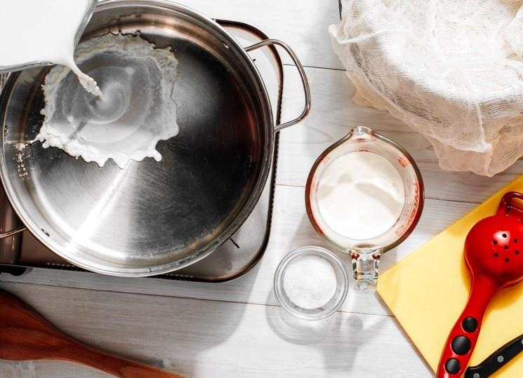 Приготовление домашнего сыра Рикотта - шаг 1