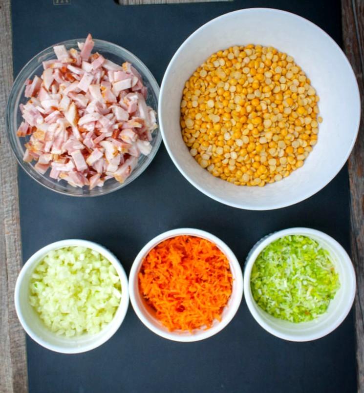 Ингредиенты для горохового супа с беконом