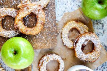 Готовим яблочные кольца с корицей