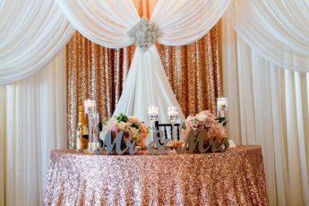 Свадебный декор из драпированной ткани