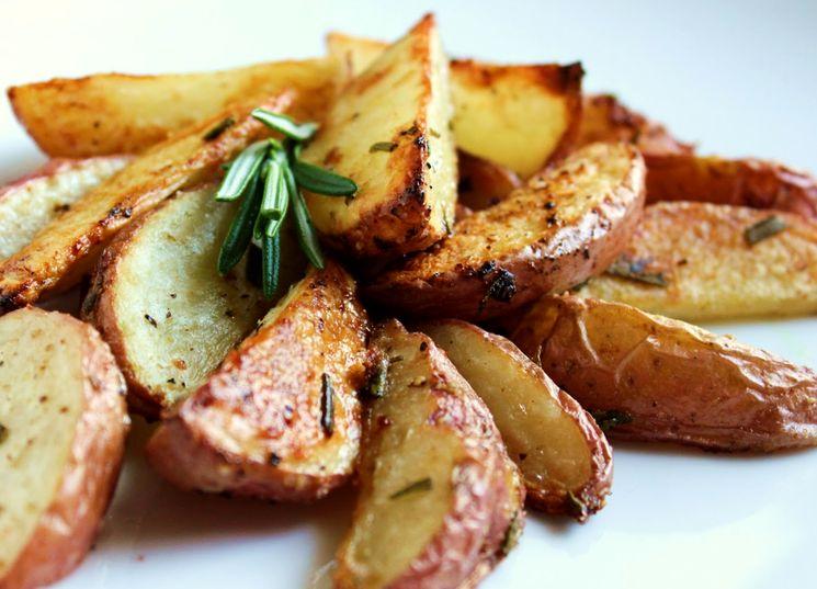 Картошка запеченная по-деревенски
