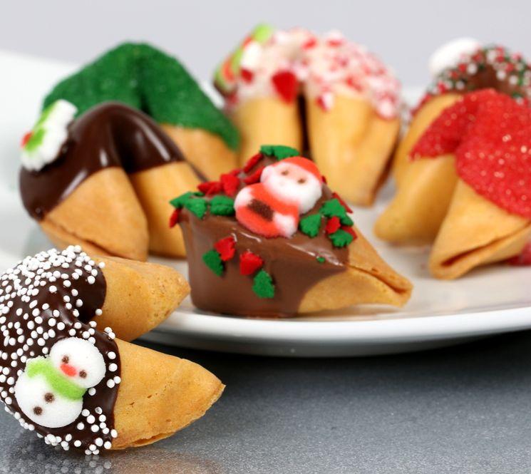 Новогодние печенья с предсказаниями
