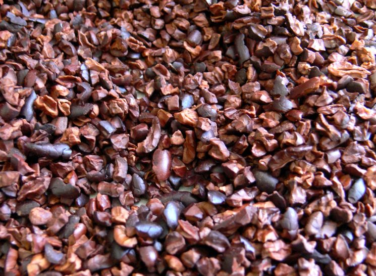 Обжаренные какао-бобы