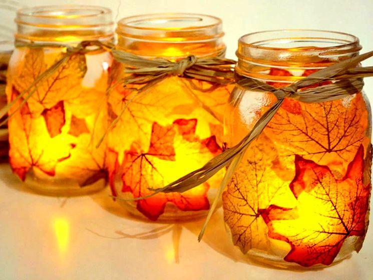 Осенний фонарик из листьев и банки