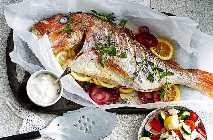 Печеная рыба по-средиземноморски