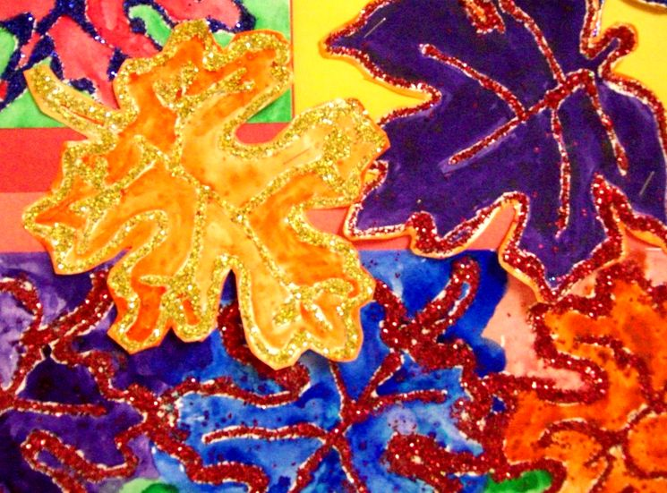 Осенние листья из бумаги с блестками