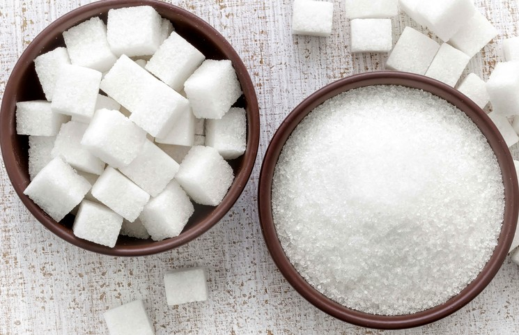 Подкормка комнатных растением сахаром