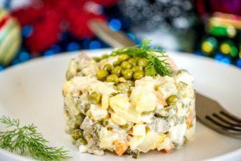 Простой рецепт мясного салата - готовим к празднику