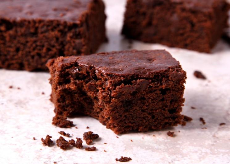 Простой шоколадный пирог на кефире - пошаговый рецепт