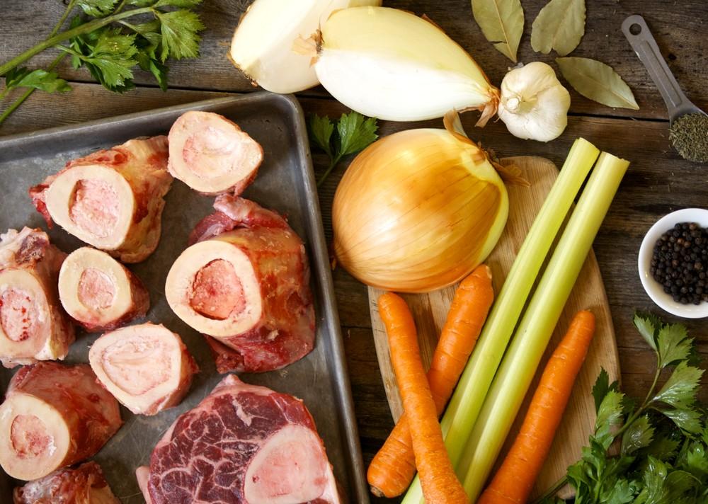Рецепт говяжьего бульона с морковью и сельдереем