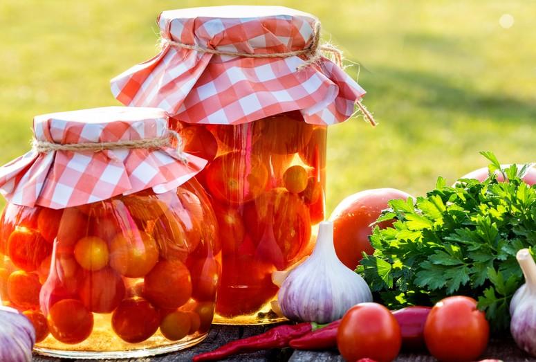 Помидоры на зиму - рецепт консервации помидор без специй пошагово