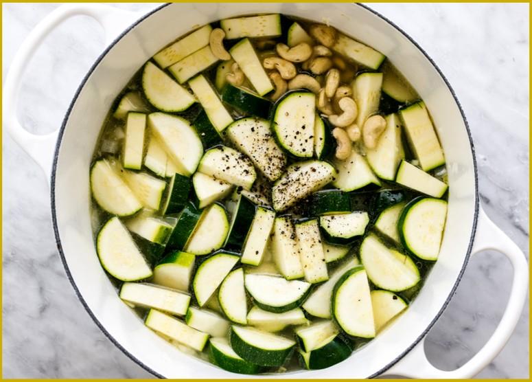 Рецепт супа-пюре из кабачков шаг 2