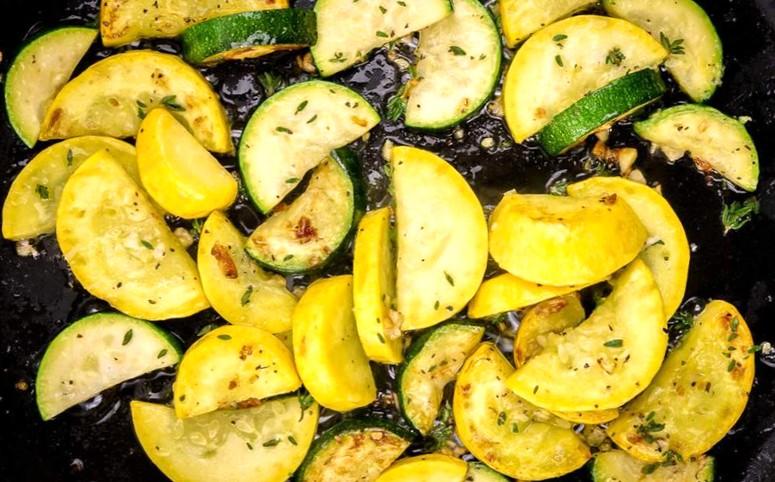 Рецепт обжаренных кабачков со специями без муки