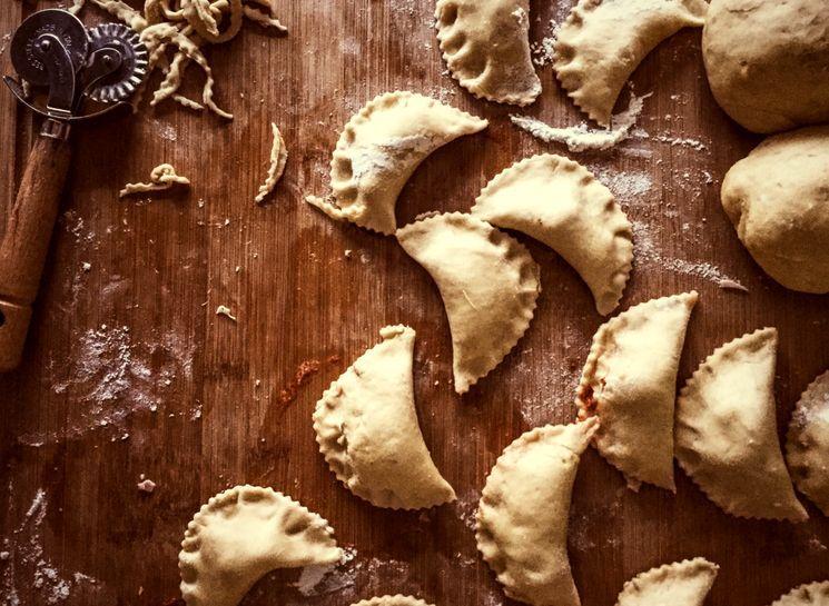 Рецепт дрожжевых пирожков Панцеротти