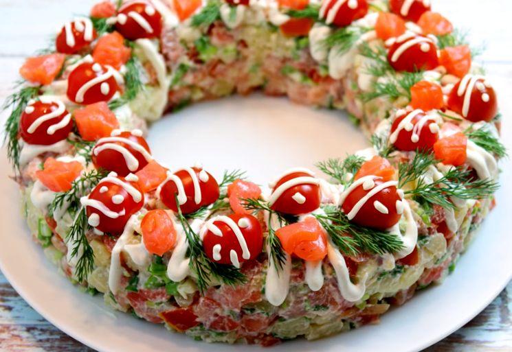 """Новогоднее оформление вкусного салата """"Русские Традиции"""""""