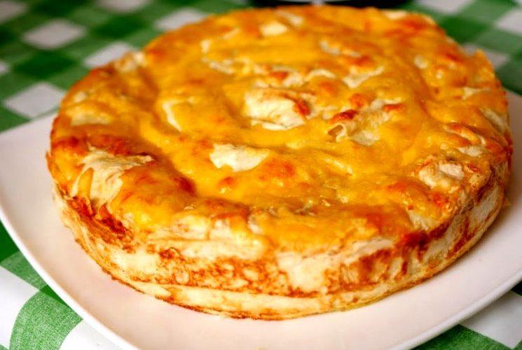 Мягкий мясной пирог с сочной начинкой