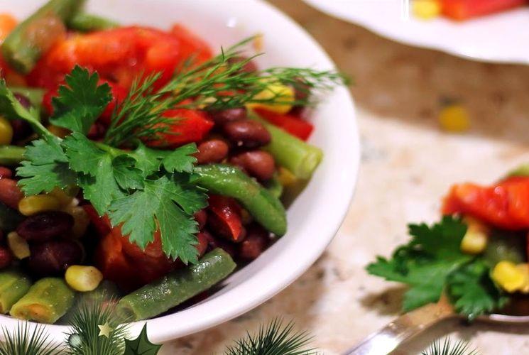 Рецепт вкусного салата с фасолью и овощами