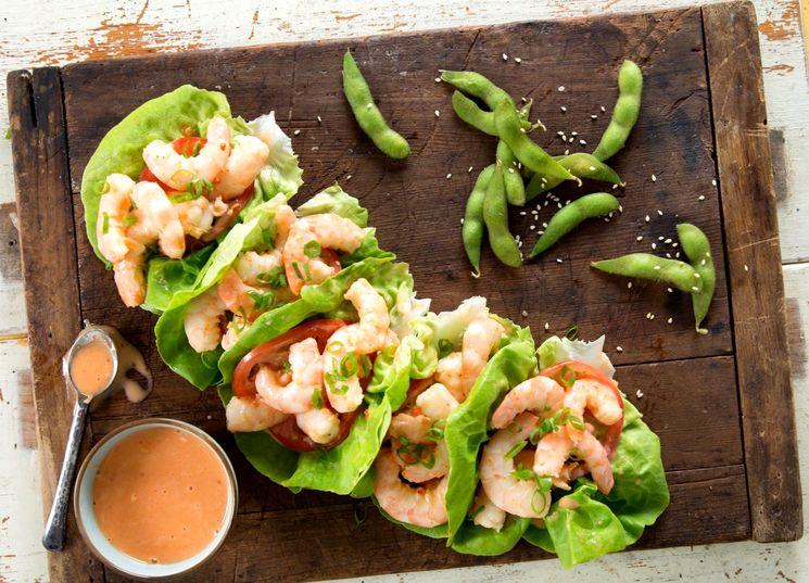 Рецепт салата с креветками и зеленым горошком