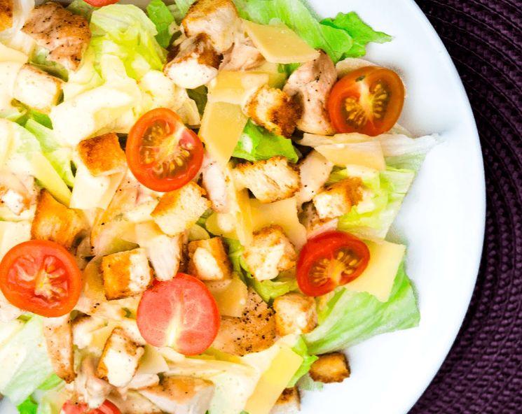 Какие сухарики для салата цезарь