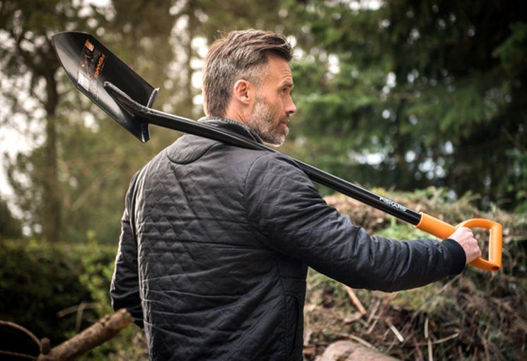 Садовая лопата Fiskars