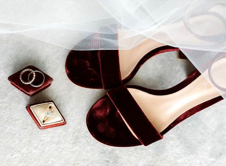 Свадебные туфли из бархата