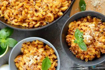 Вкусные макароны с фаршем и подливкой - пошаговый рецепт