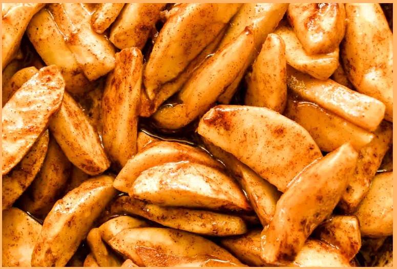 Запечённые яблочные ломтики с пряностями - простой рецепт
