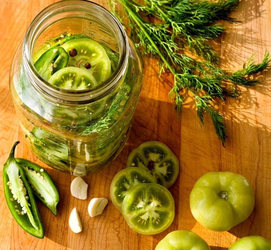 Зелёные помидоры на зиму - рецепт квашеных томатов в банке